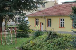 Двора на ДГ Буратино - 03 - ДГ 7 Буратино - Детска градина в град Казанлък